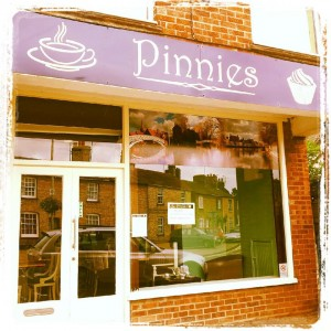 Pinnies Godmanchester - Teas, coffee, cafe and cakes on the causeway